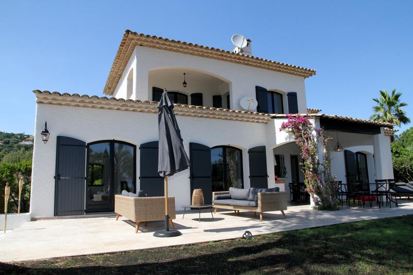 Stijlvol gerenoveerde villa met zwembad